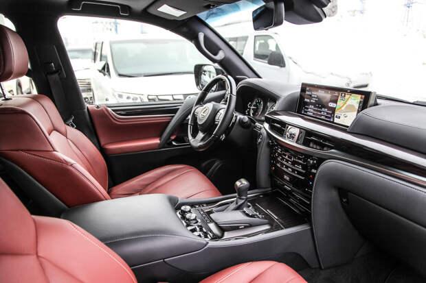 Ищем снег на Lexus LX570 Black Vision
