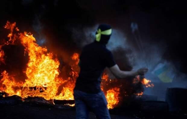 Военные Израиля применили слезоточивый газ против палестинцев