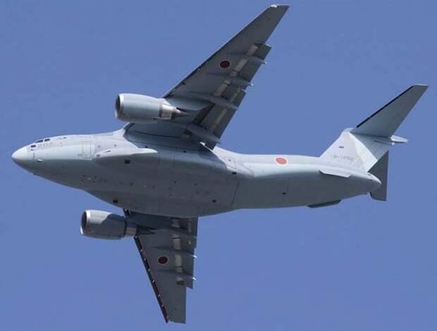 ВВС Японии получили новейшие самолеты Kawasaki C-2
