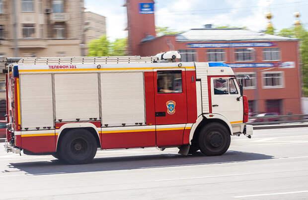 Герои нашего времени: в Костроме во время пожара трое мужчин спасли заблокированных в квартире детей