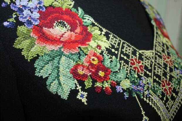 вышивка воротничка