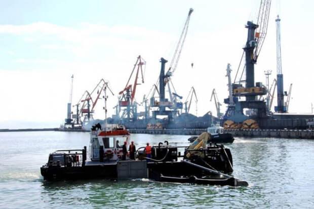 Разлив нефти в акватории Черного моря не повлияет на курортный сезон