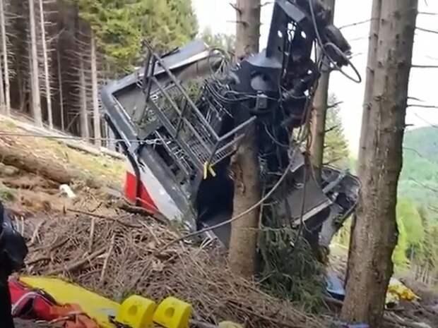 Умер ребенок, получивший травмы при падении кабины фуникулера в Италии