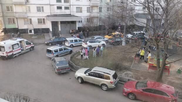 Во дворе на улице Катукова не смогли разъехаться два водителя
