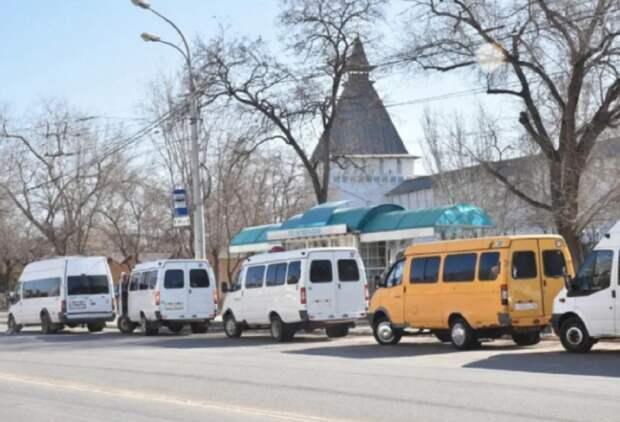 В Астрахани назвали маршруты, с которых массово уходят перевозчики