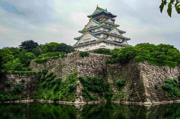 Почему большинство японских замков - новодел?