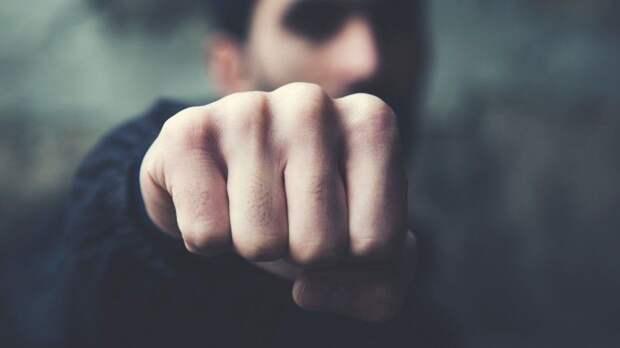 Устроившие жесткую драку стиктокерами отец исын назвали свои действия самообороной