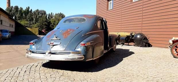 В Запорожье увидели уникальный автомобиль из США