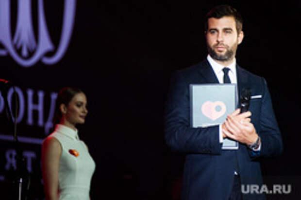 Ургант резко ответил на заявление Жириновского о закрытии шоу. Видео