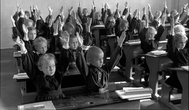 25 кадров Анри Картье-Брессона о советской жизни в 1954году