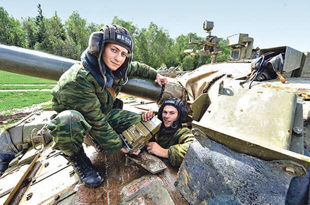 Обслуживание военной техники доверят только лицензированным специалистам