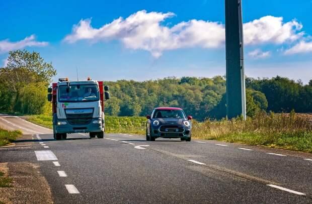 Почему нельзя уступать другим авто на дороге
