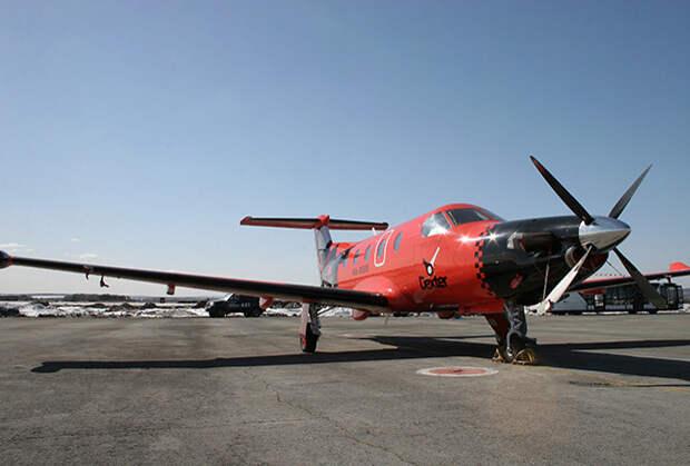 Самолет Pilatus PC-12, входящий в летный парк первого в России авиатакси Dexter.