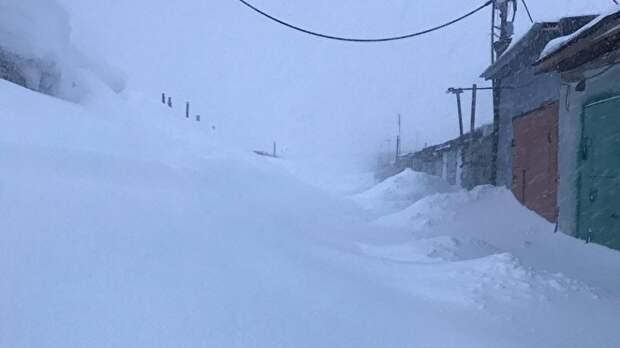 Провалившуюся под снег девочку спас сотрудник Росгвардии