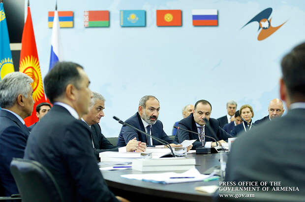 В ЕАЭС и ОДКБ – серьезные противоречия. Как их «разруливает» Россия