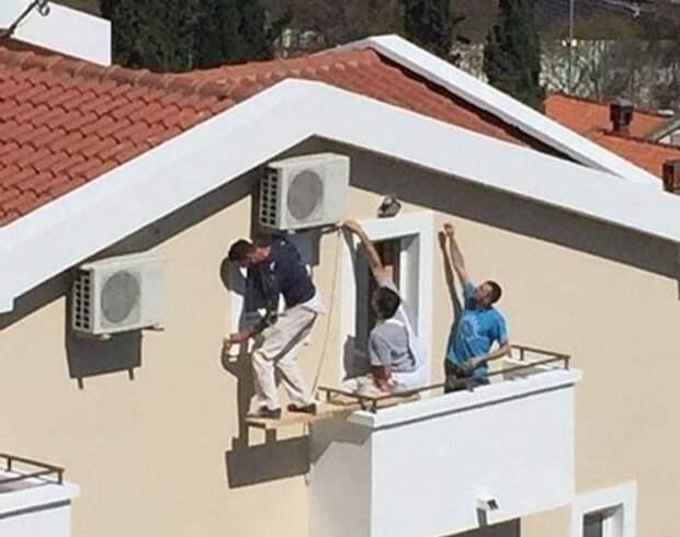 На эти 11 фото «лайфхаков» с лестницами больно смотреть