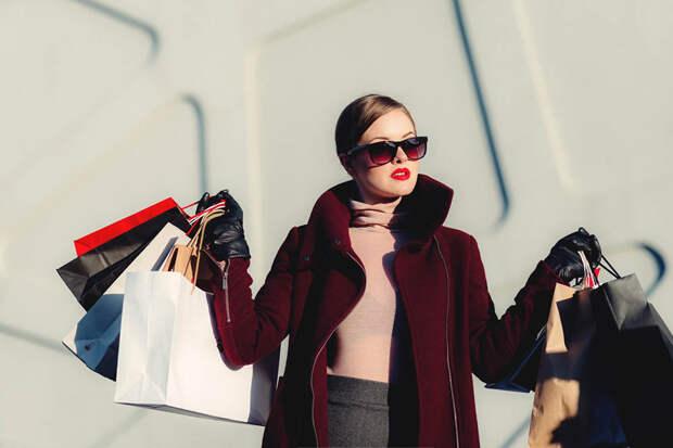 девушка на шоппинге