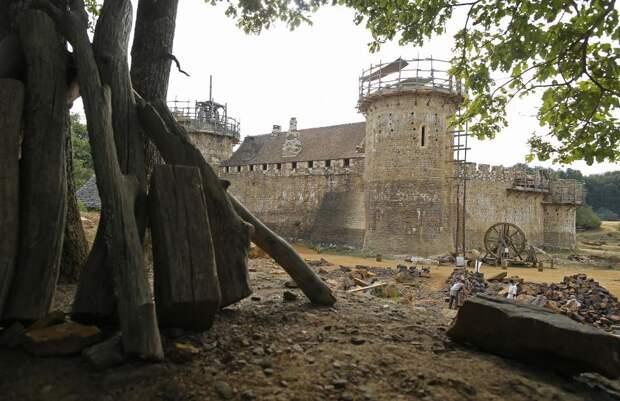 Замок Геделон