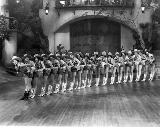 Танцовщицы 1910-20-х годов