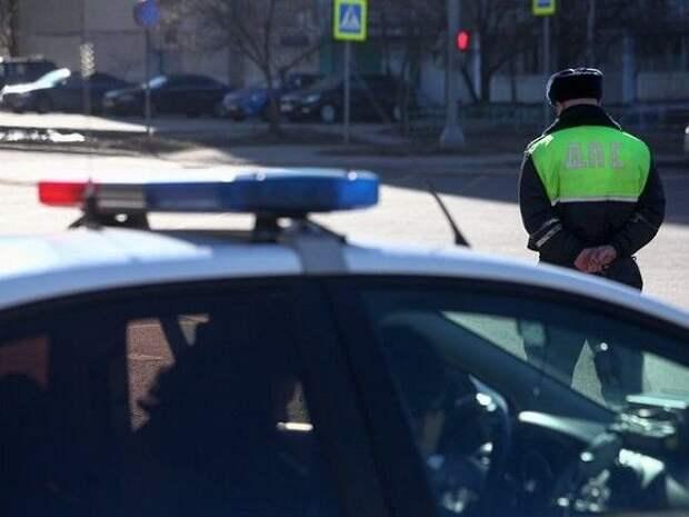Петербургское управление ГИБДД напомнило горожанам об уголовной статье за мелкое взяточничество