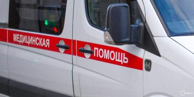 У станции «Ростокино» рабочий упал со строящейся эстакады на трамвай