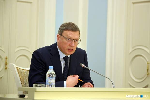 Бурков поручил ужесточить охрану школ после инцидента со стрельбой в Казани
