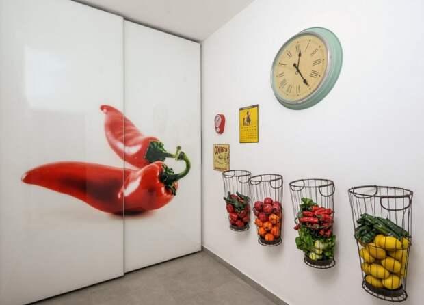 Корзинки на стене - не только система хранения, но и функциональный декор.
