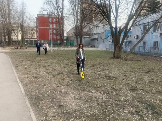 На Новоостаповской появится еще одна площадка для выгула собак