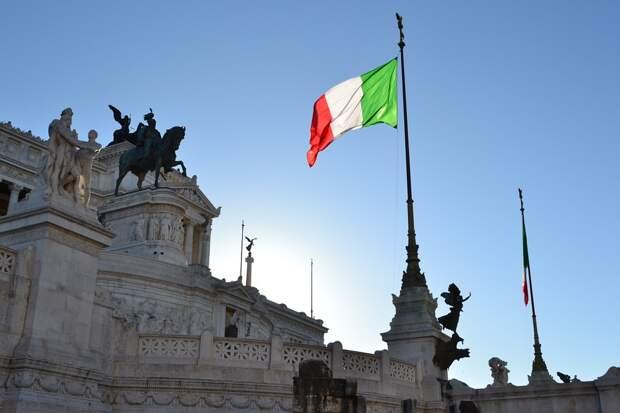 Католическое Рождество и Новый год итальянцы встретят в условиях карантина