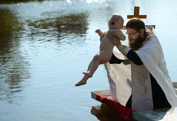Почему в России детей крестят даже неверующие?