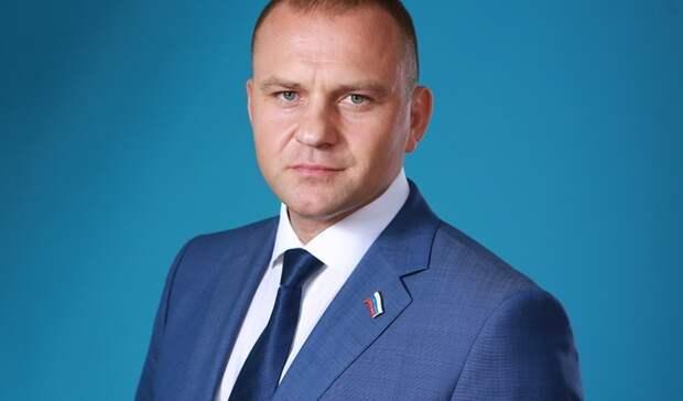 Министр спорта Оренбуржья зарабатывает по 640 тысяч рублей в месяц