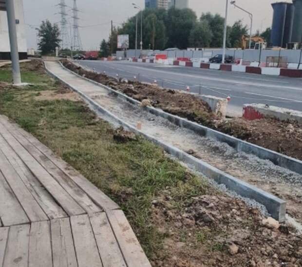 На Челобитьевском обустроят широкий тротуар после открытия метро
