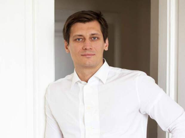 Гудков сообщил, что пересек границу Украины на машине и едет в Варну