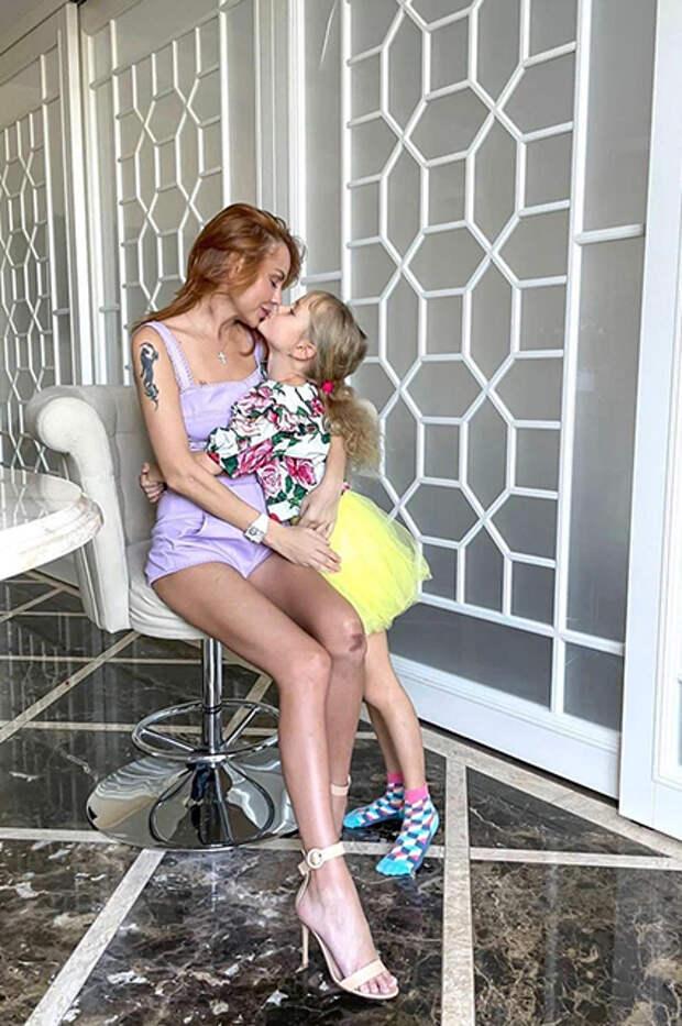 Певица МакSим с дочерью Машей