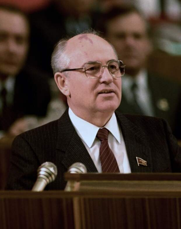Михаил Горбачев, 1987