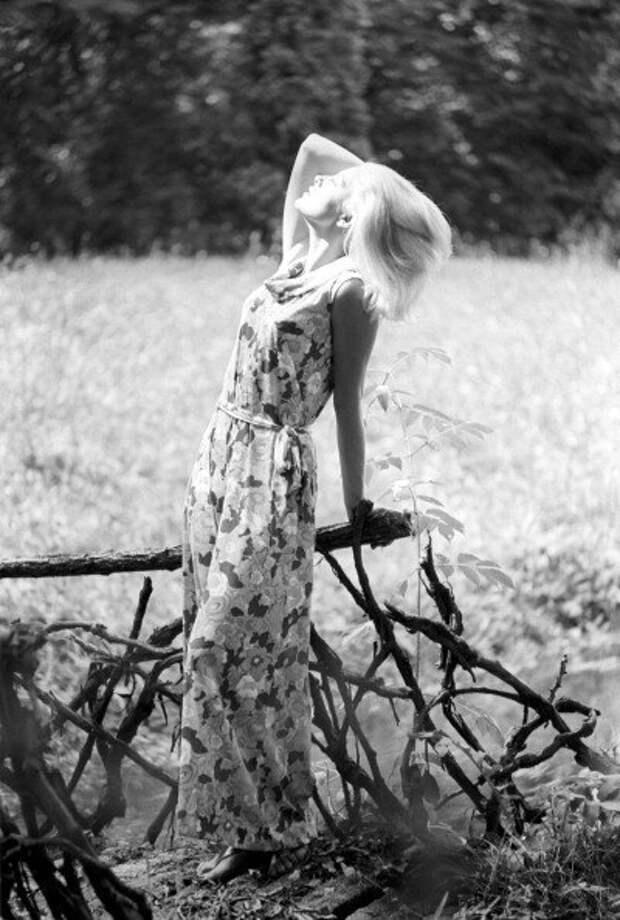 Очаровательная Вирна Лиси.