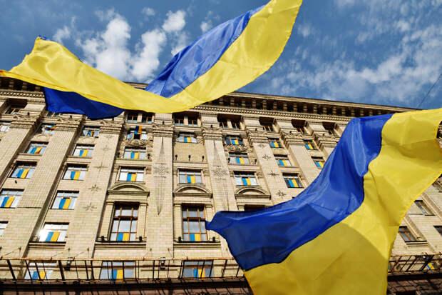 Как украинские власти пичкают своих граждан русофобской идеологией, но выходит плохо