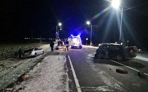 В ДТП с участием полицейского погибли пять человек