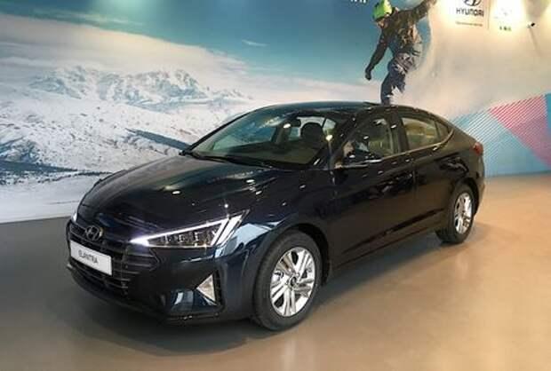Hyundai назвала российские цены на обновленную Элантру