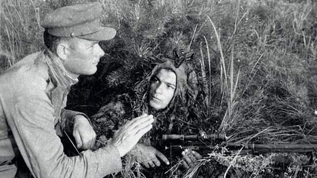 Бессмертный снайпер: на знаменитом плакате Леонида Голованова —  Василий Голосов