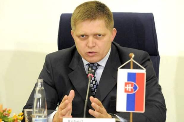 Украина находится перед абсолютным распадом, считает премьер Словакии
