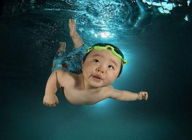 Очаровательный фотопроект: детки под водой
