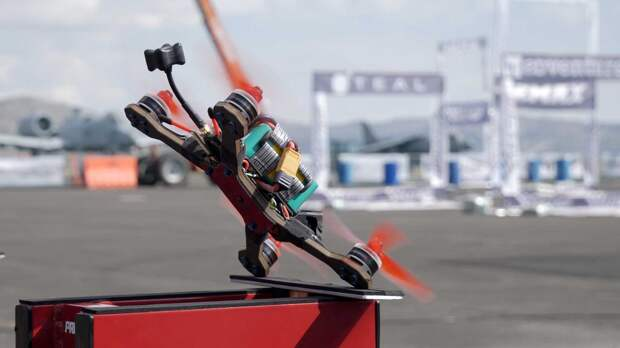В Москве пройдет международный фестиваль дрон-рейсинга Rostec Drone Festival