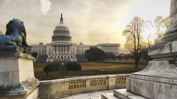 В США введен режим ЧС на фоне инцидента с Colonial Pipeline