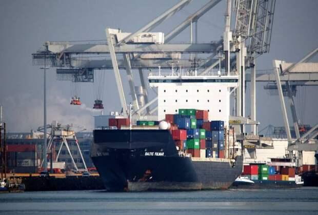 «Это сильный удар»: прибалты отреагировали на планы Беларуси отказаться от их портов