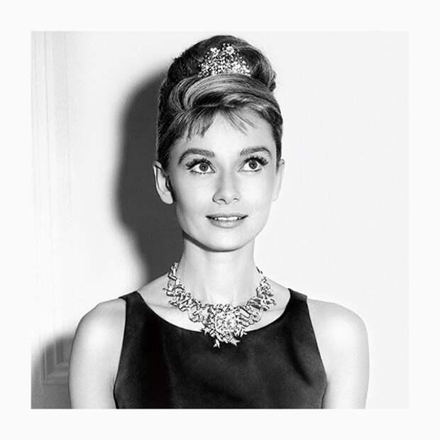 Нежные украшения с жемчугом, которые так любила Одри Хепберн