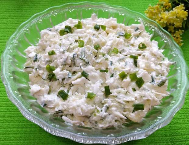 Нежный и вкусный салат «Ешь и худей» с необычной заправкой
