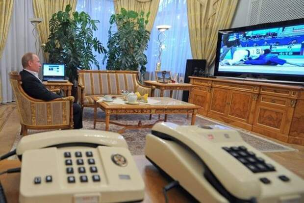 Западные спецслужбы разочарованы: Путина прослушать невозможно