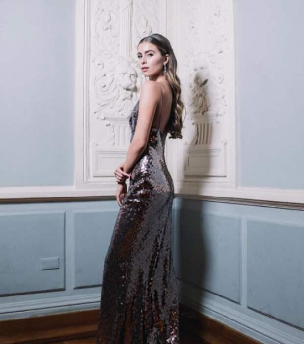Соболиные брови и длинные локоны: 15-летняя красавица-внучка Софии Ротару уверенно покоряет модельный бизнес