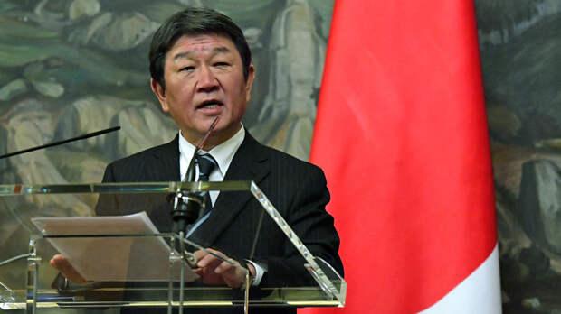 Япония призвала G7 выработать солидарный подход к России